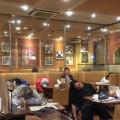 品川駅のデニーズ店内の光景