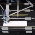 ニューヨークの高級ギフト会社Bondは、手書きの筆跡を再現するロボットを開発