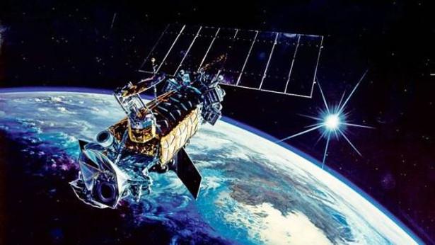 米軍-気象観測衛星「DMSP-F13」-爆発