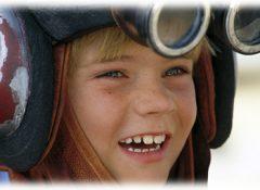 『スター・ウォーズ』幼少期アナキン役のジェイク・ロイド、カーチェイスで暴走 逮捕